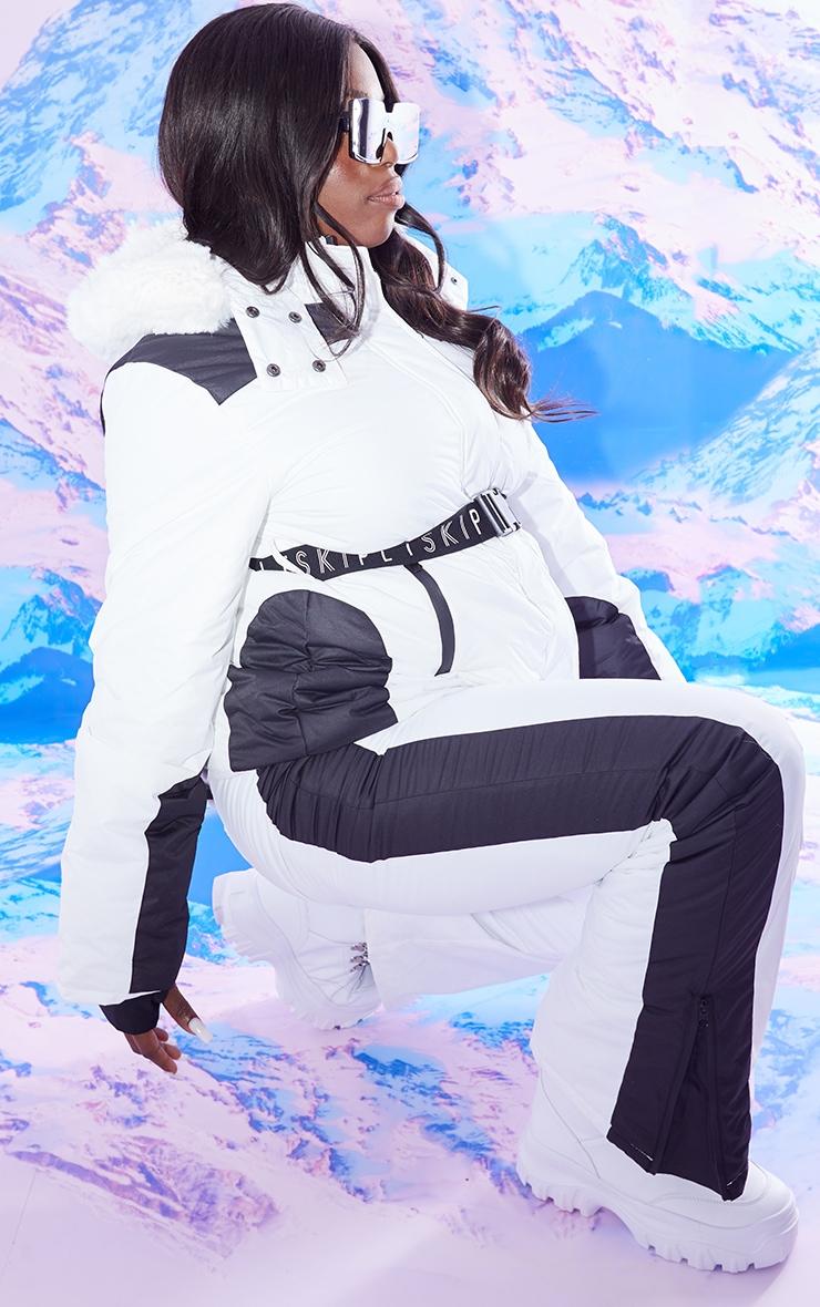 PRETTYLITTLETHING Plus Ski Monochrome Faux Fur Hooded Belted Ski Jacket 3