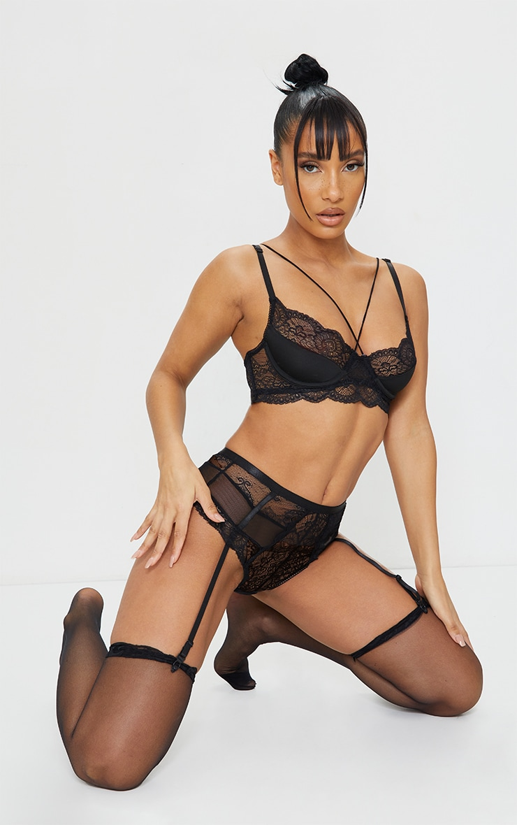 Black Strappy Lace Underwired Suspender Lingerie Set 1