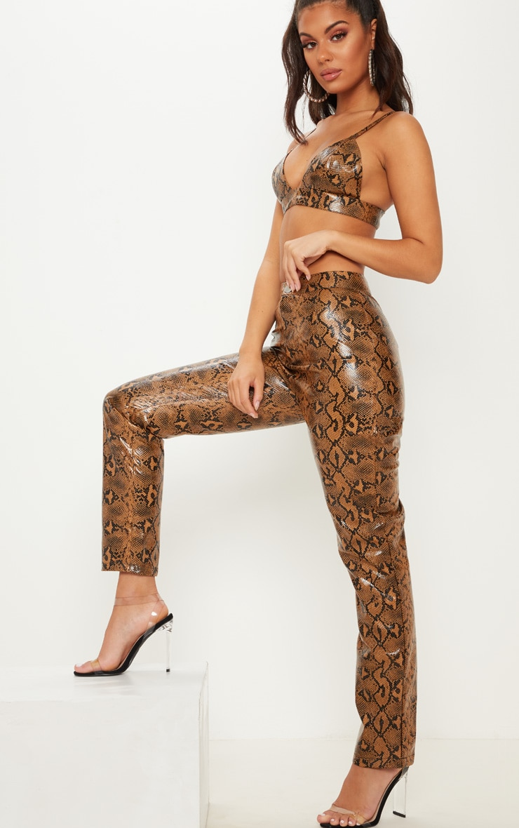 Pantalon droit en similicuir serpent marron 1