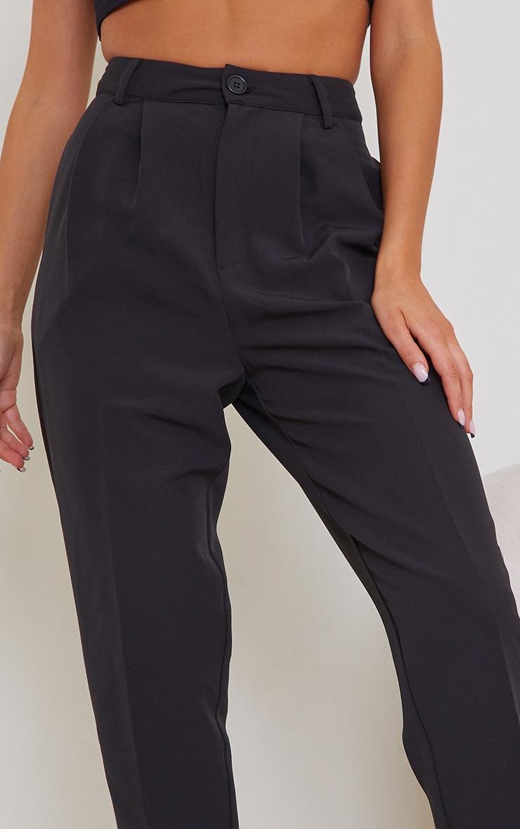 Pantalon cigarette noir en maille tissée à détail coutures 4