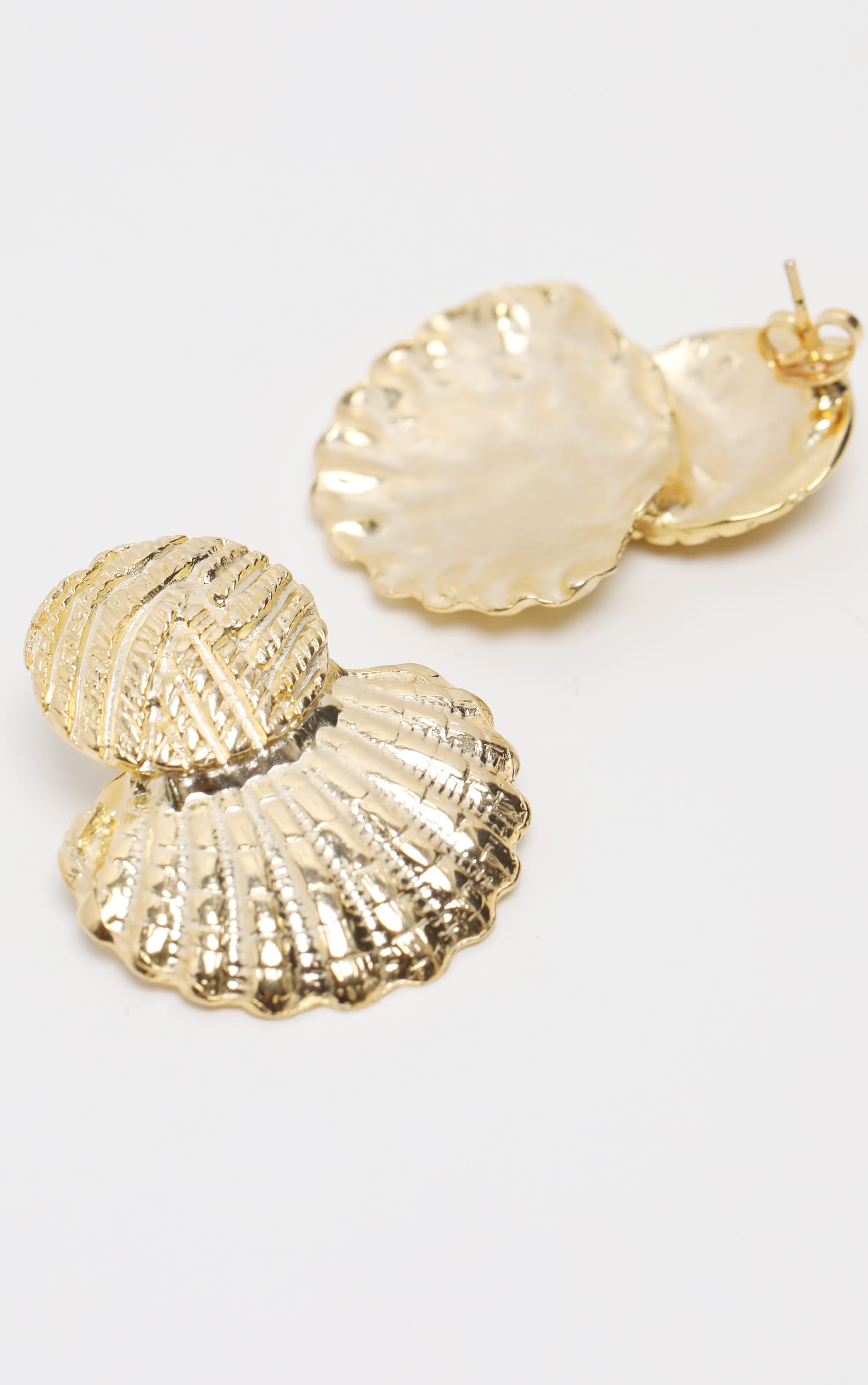 Gold Hammered Shell Earring 3