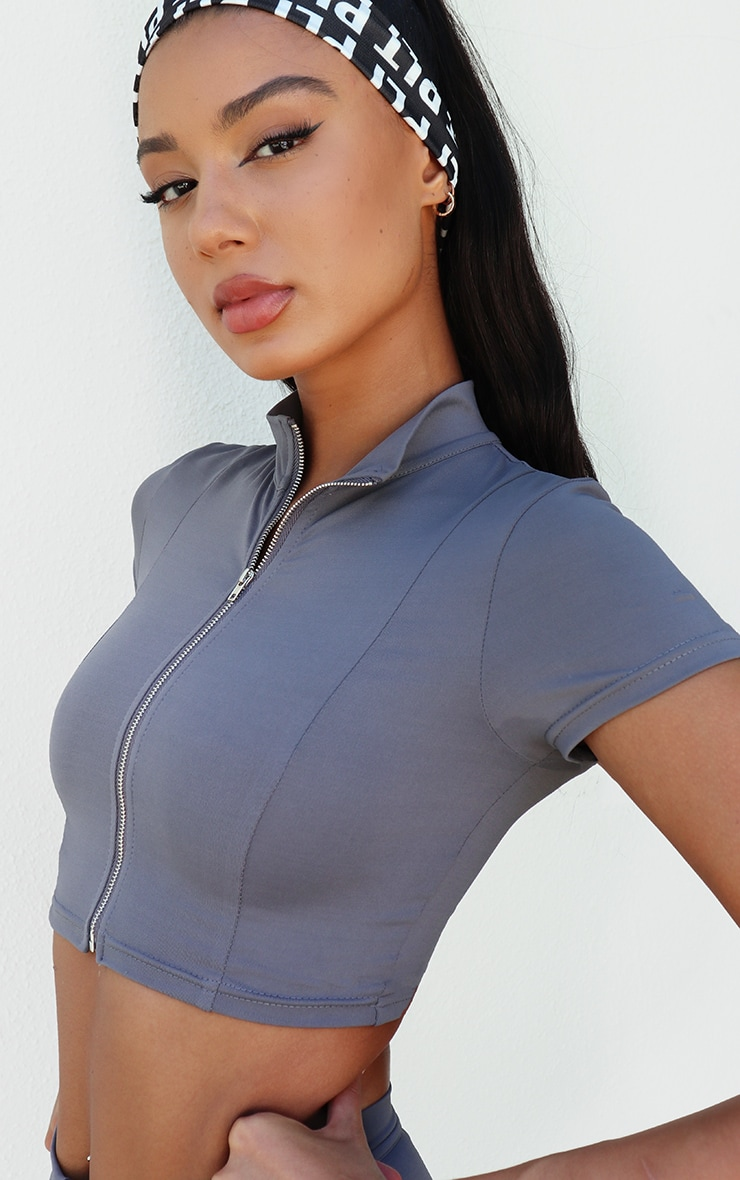 PRETTYLITTLETHING Grey Sport Zip Up Cropped Sports T Shirt 4