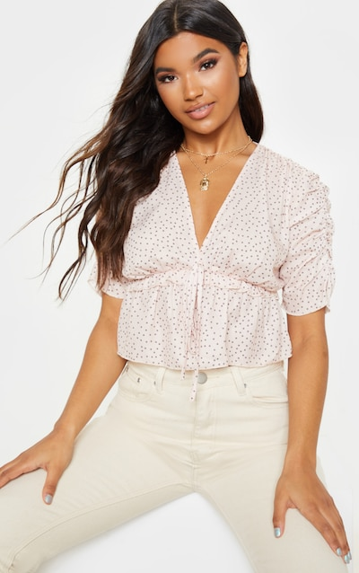c96b23edfcf37 Nude Plunge Short Sleeve Ruched Crop Top