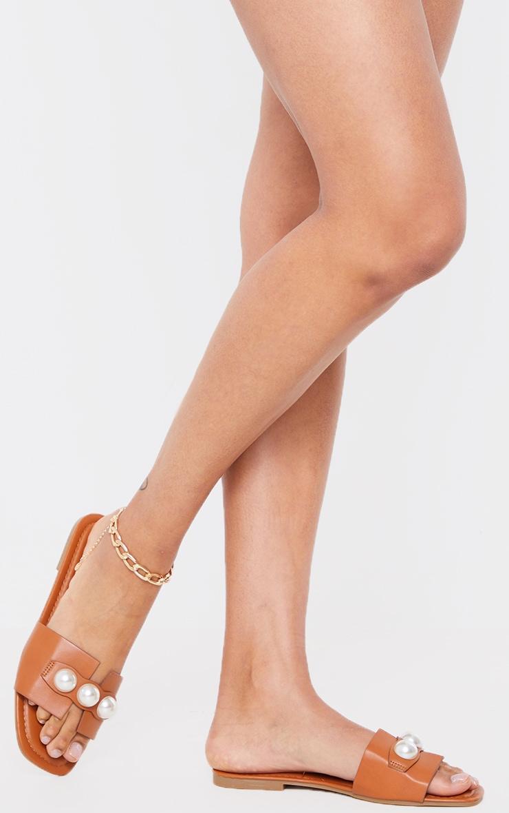 Mules plates en similicuir marron à détail perles 2