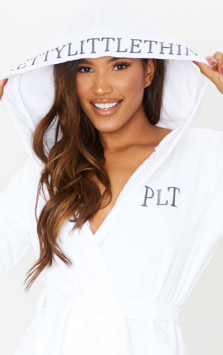 PRETTYLITTLETHING White Hood Detail Towelled Dressing Gown 4