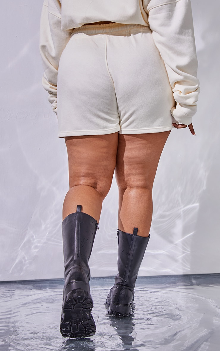 PRETTYLITTLETHING Plus Cream Drawstring Waist Sweat Shorts 3