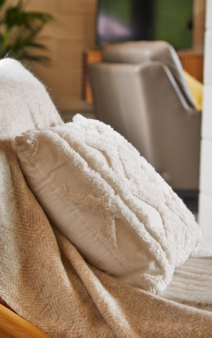 Cream Diamond Tufted Cushion 2