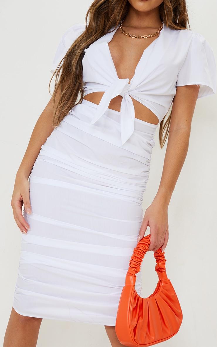 Robe mi-longue manches courtes blanche découpée à jupe froncée et lien frontal 4