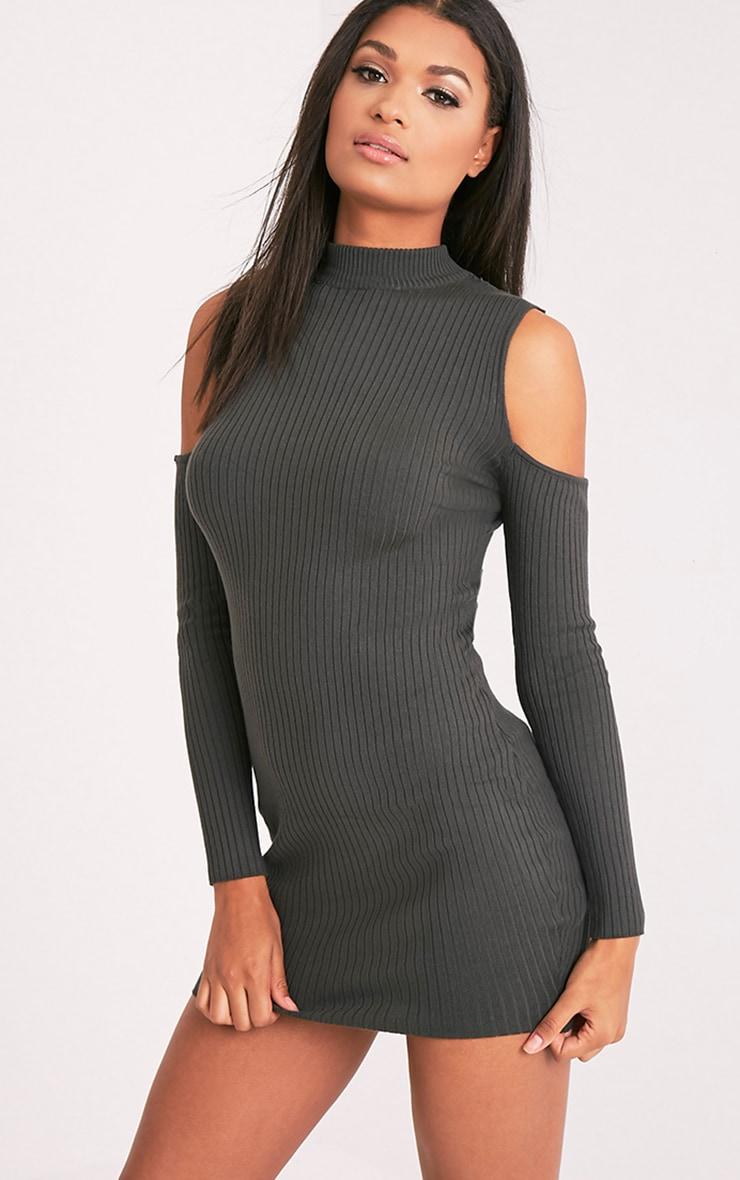 Ysabel robe mini tricotée kaki côtelée à épaules découvertes 4