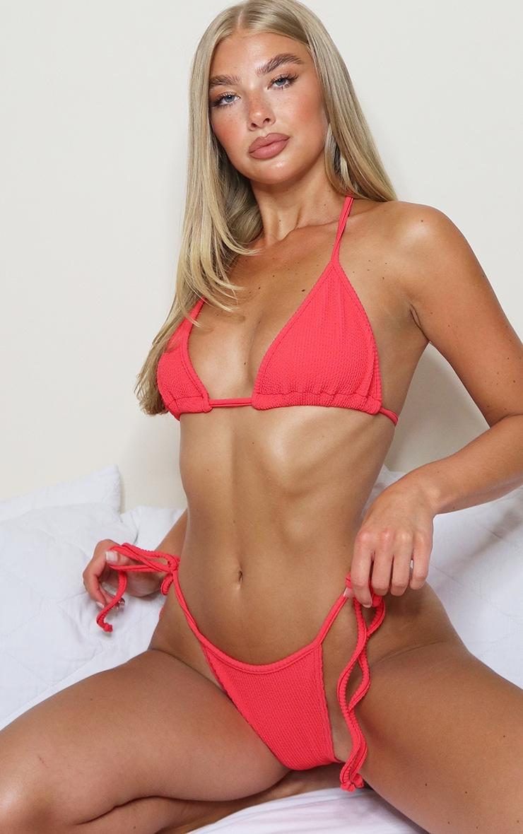 Bas de bikini froncé à nouer rouge 1