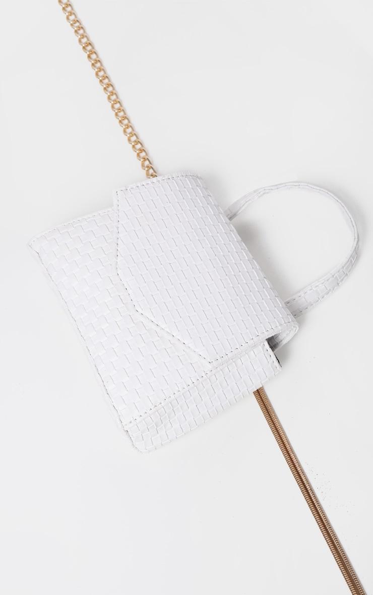 Ceinture-sacoche tissée blanche à détails en similicuir 4
