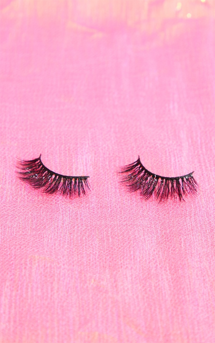 Land of Lashes Belle Lash 2