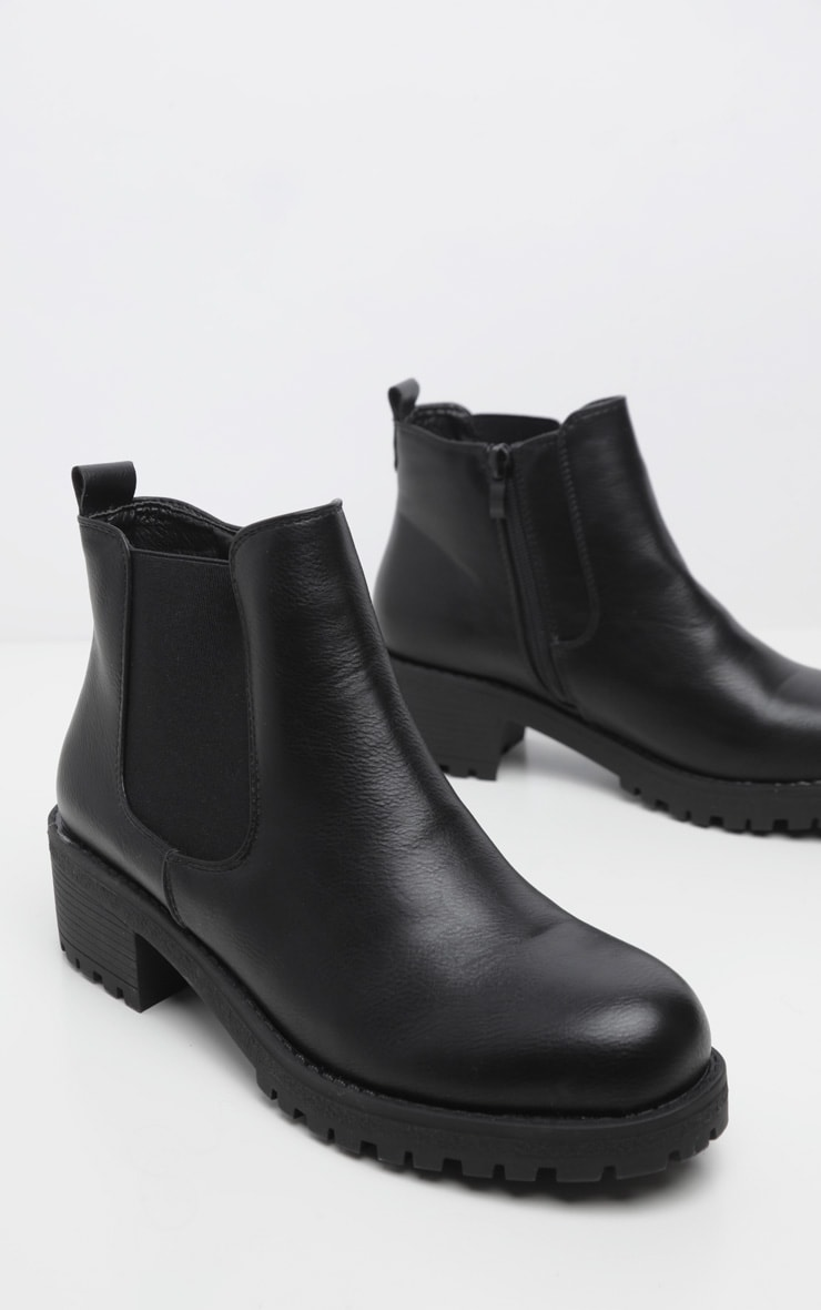 Black Low Heel Cleated Chelsea Ankle Boots 3