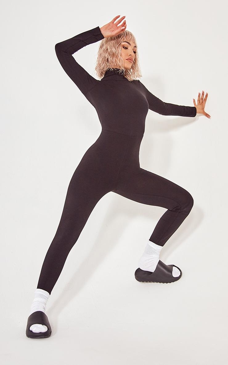 جمبسوت طويل الأكمام عالي الرقبة  أسود اللون 1