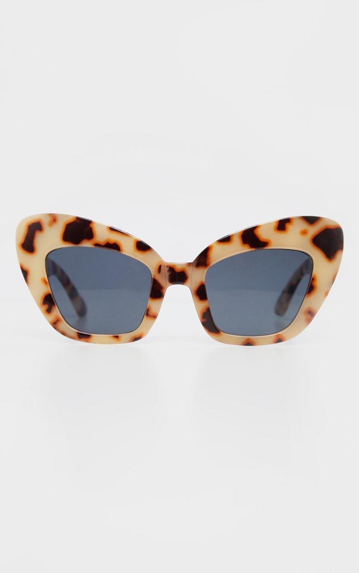 Tortoiseshell Thick Frame Cat Eye Sunglasses 2