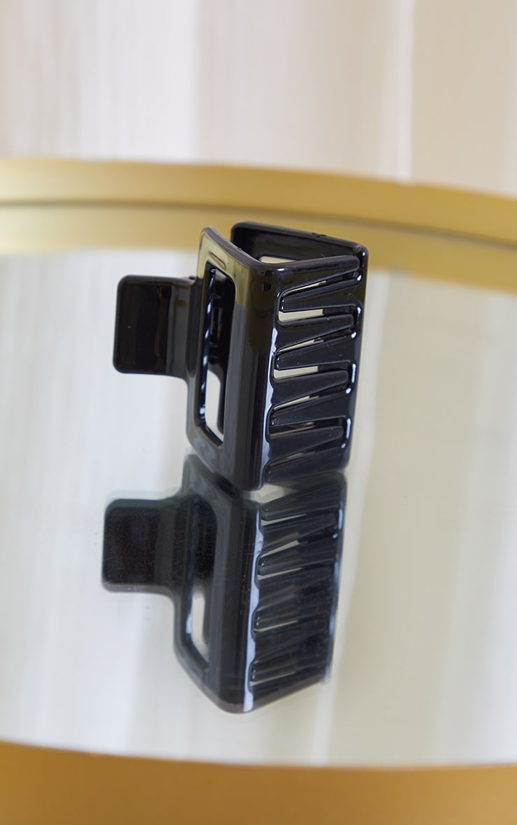 Black Square Cut Out Hair Clip 3