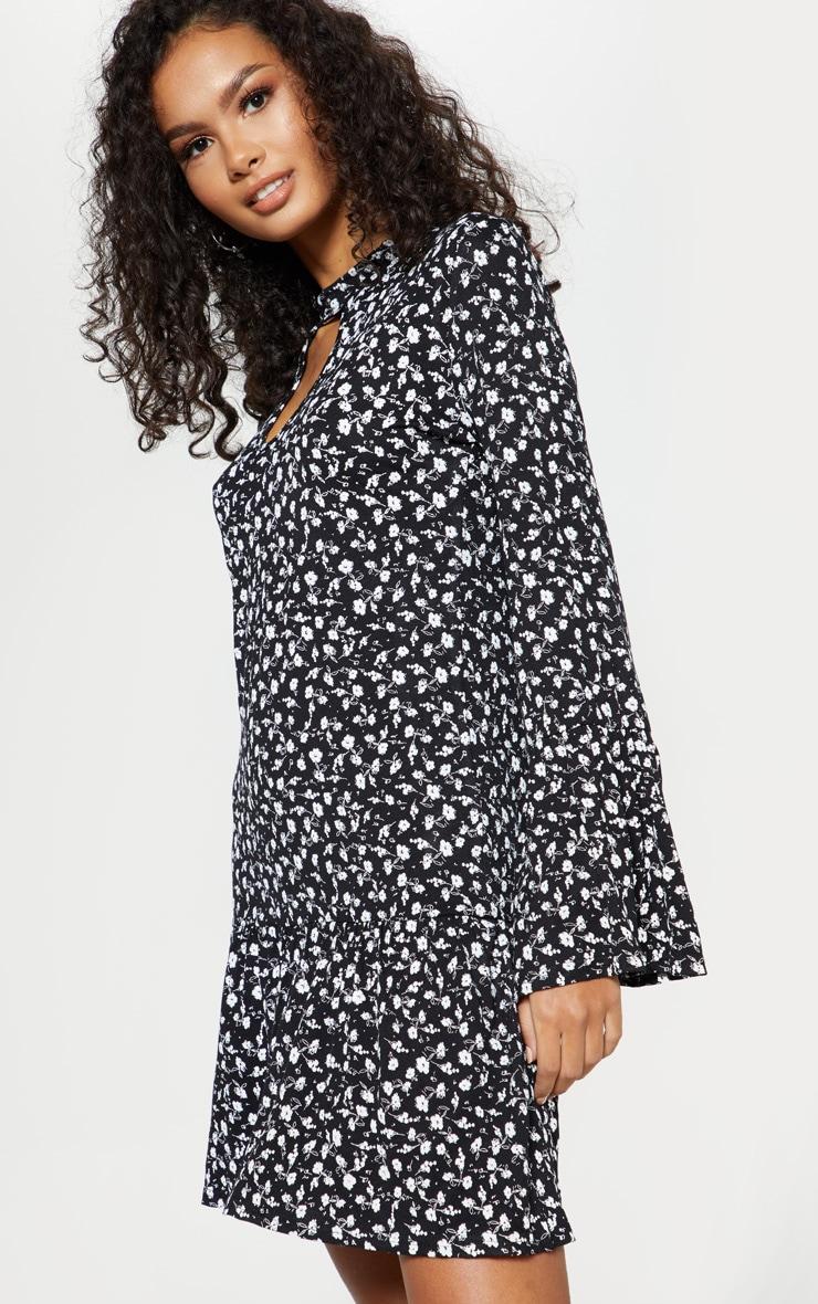 bef6c74a1c90 Black Ditsy Floral Print Key Hole Smock Dress | PrettyLittleThing