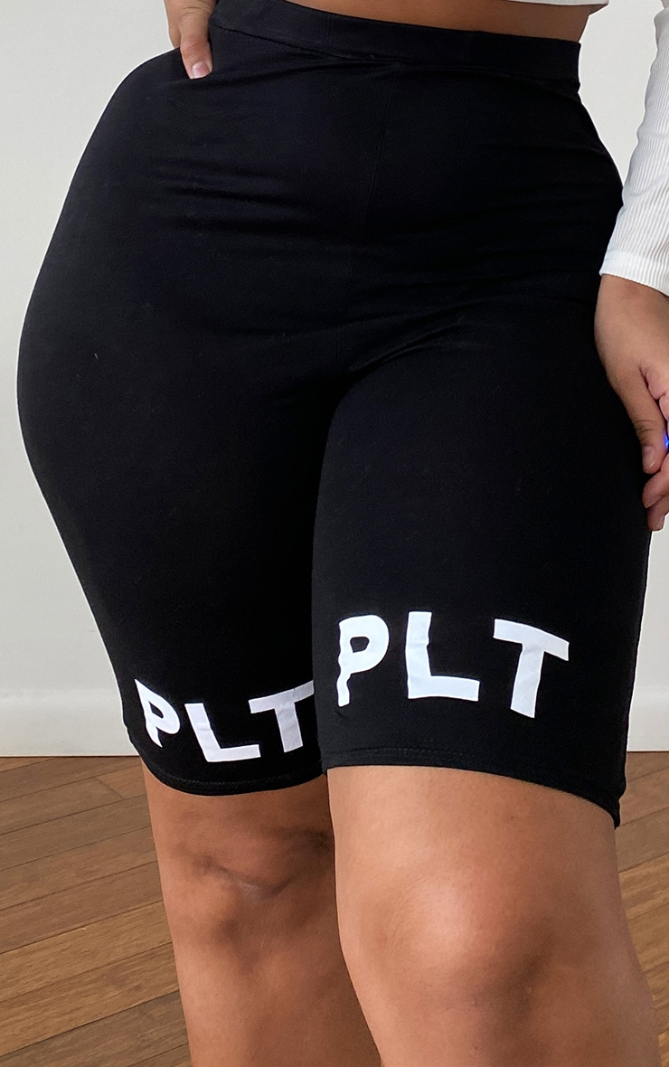 PRETTYLITTLETHING Plus Black Logo Bike Shorts 5