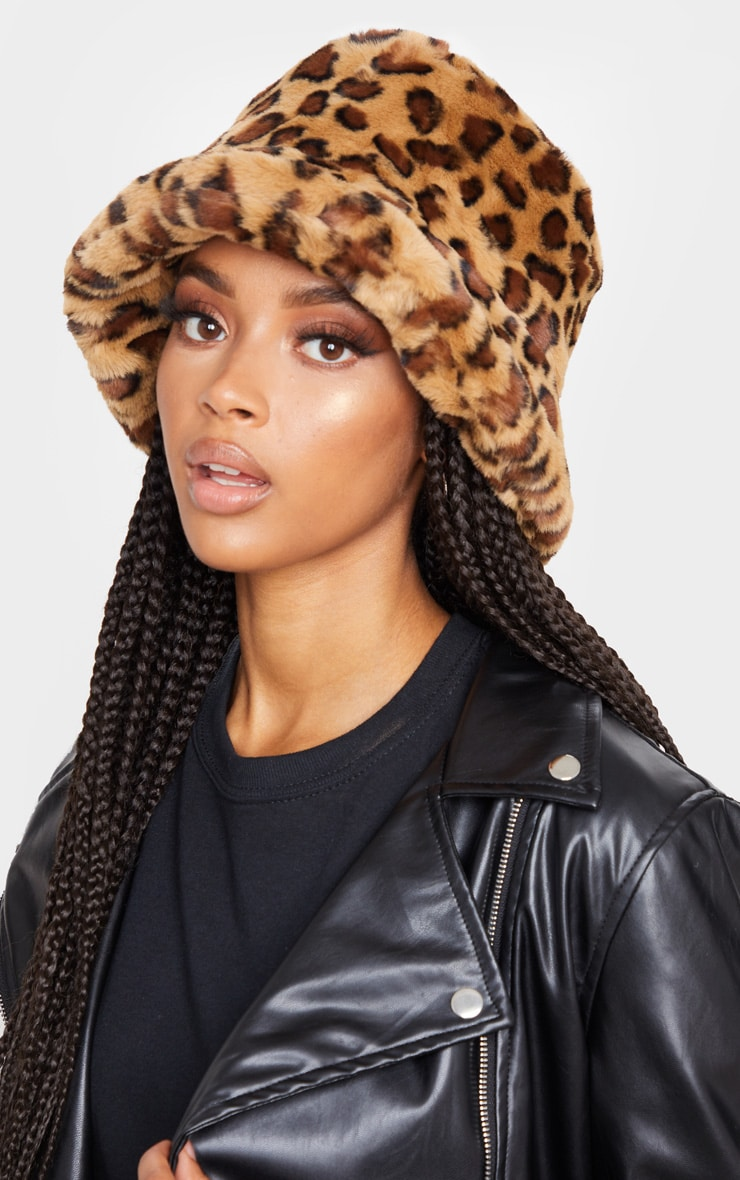 Leopard Faux Fur Bucket Hat by Prettylittlething