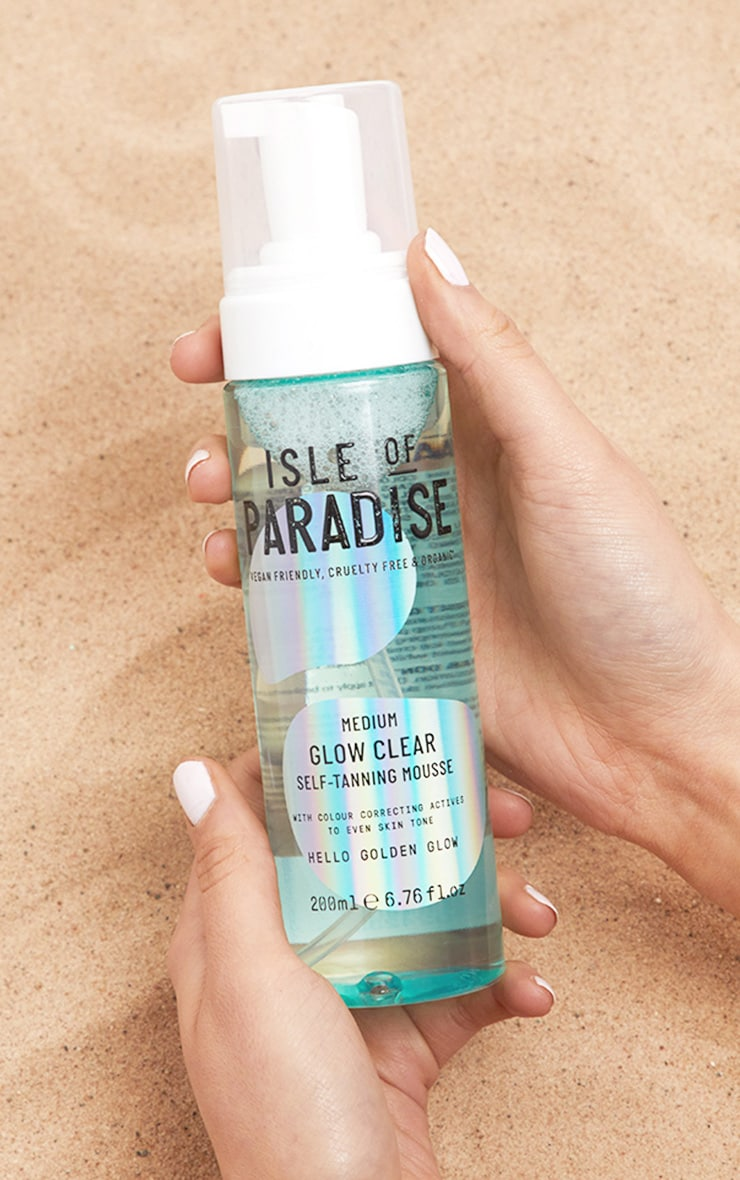 Isle Of Paradise Medium Glow Clear Self-Tanning Mousse 1