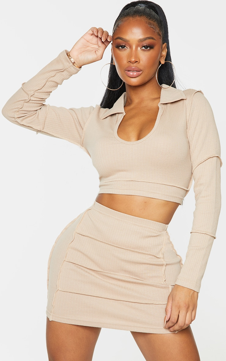 Shape Stone Rib Collar Detail Crop Top