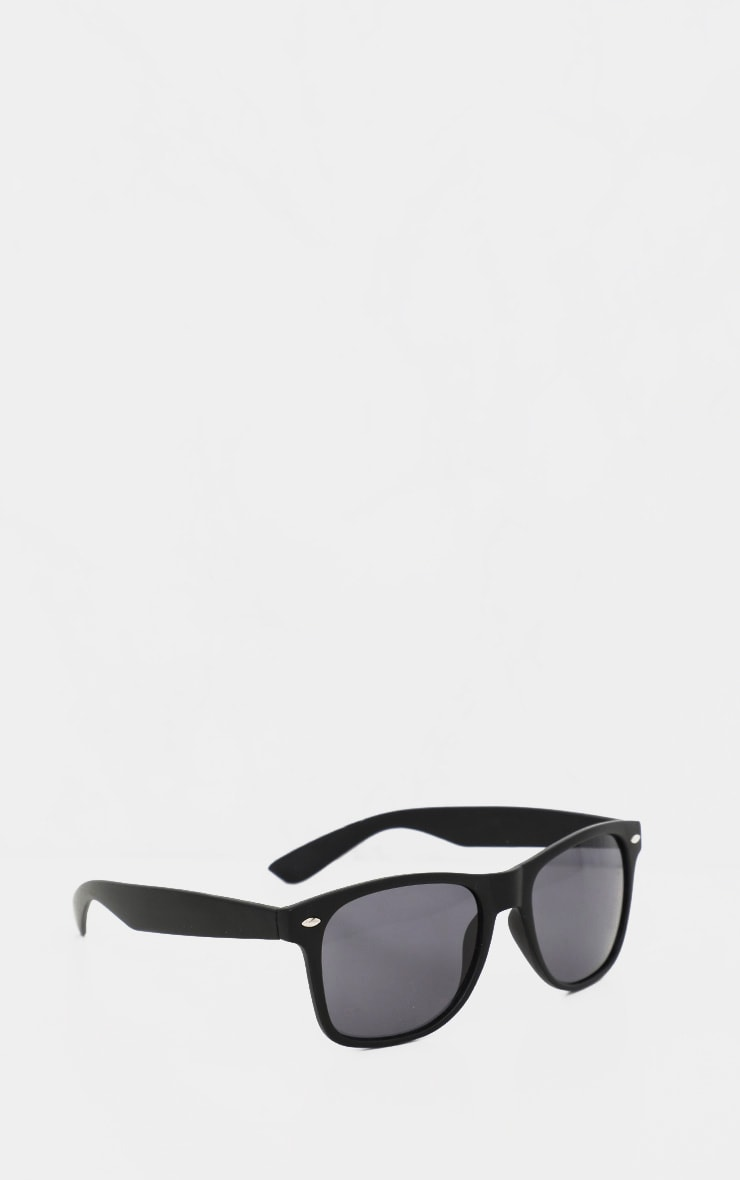 Black Basic Rounded Lens Sunglasses 2