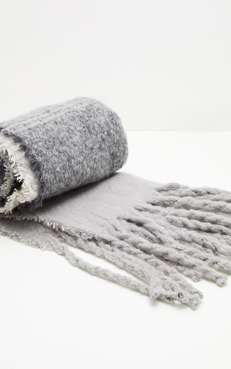 Echarpe grise style couverture 2