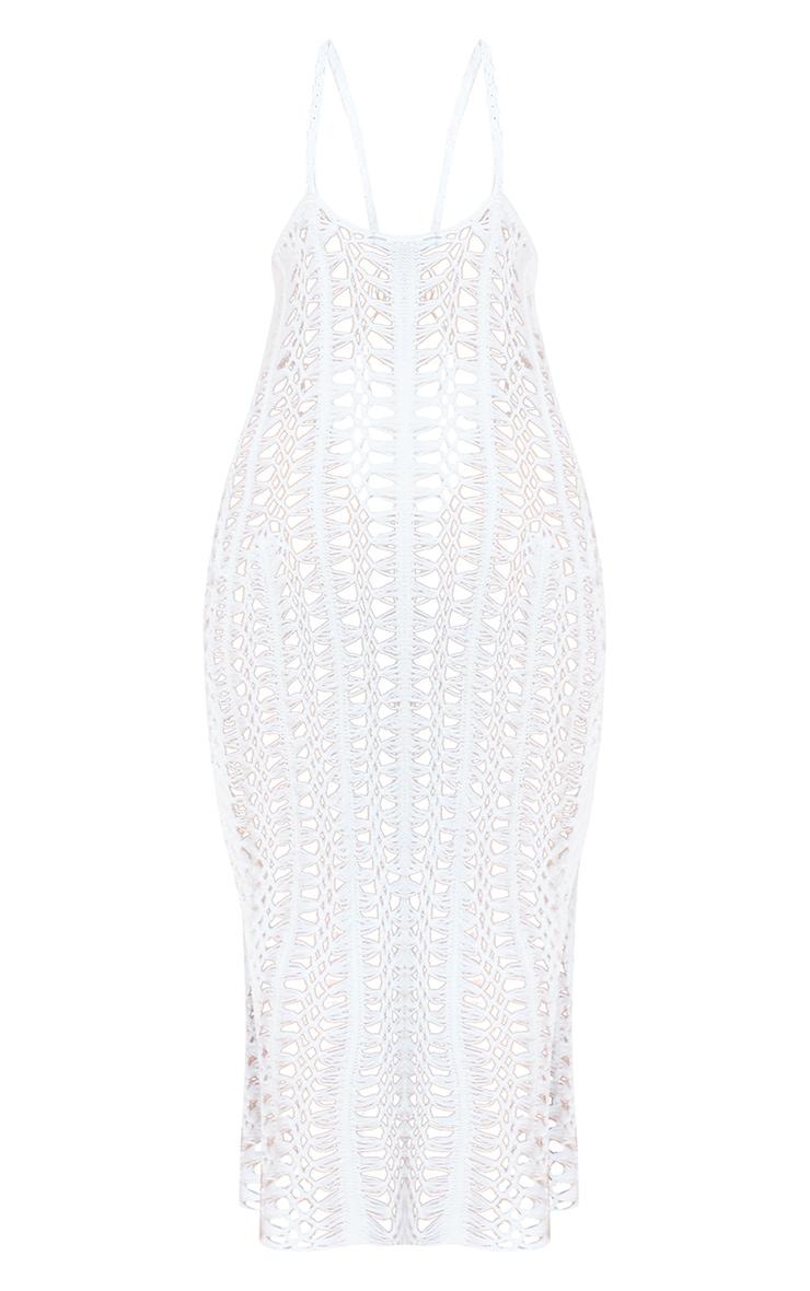 Robe longue en maille crochet blanche décolletée dans le dos 5
