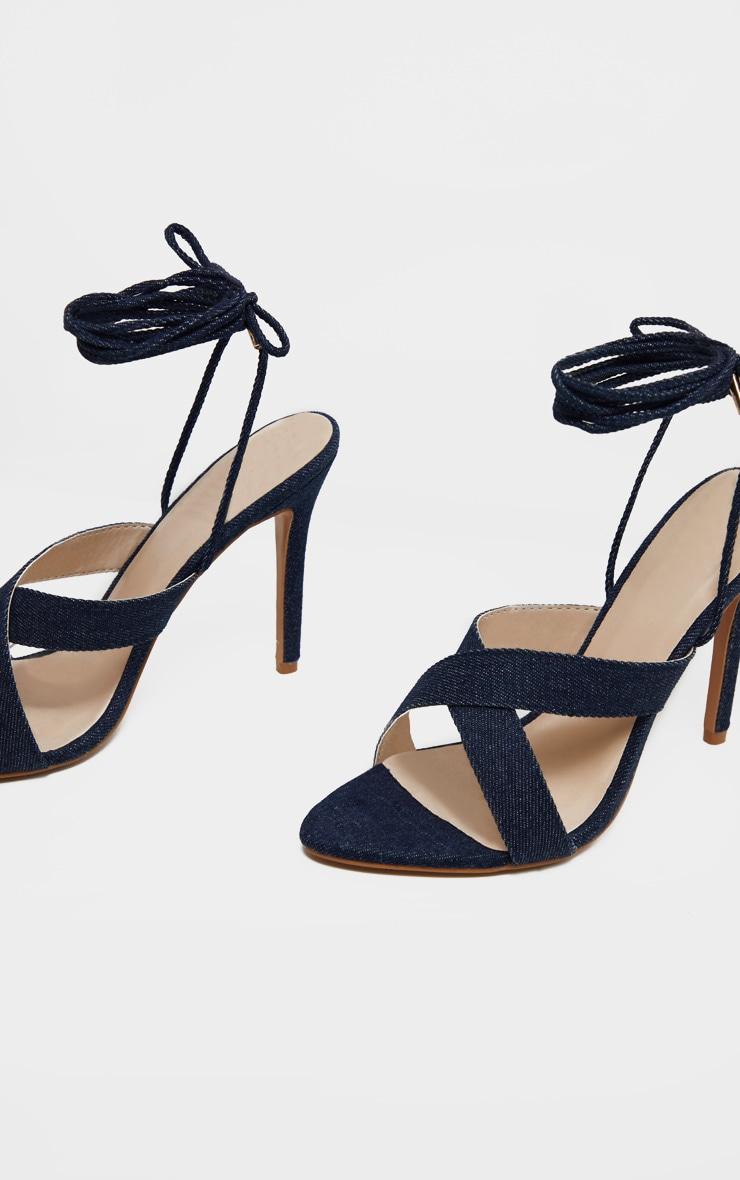 Sandales en jean foncé à brides croisées montantes 3