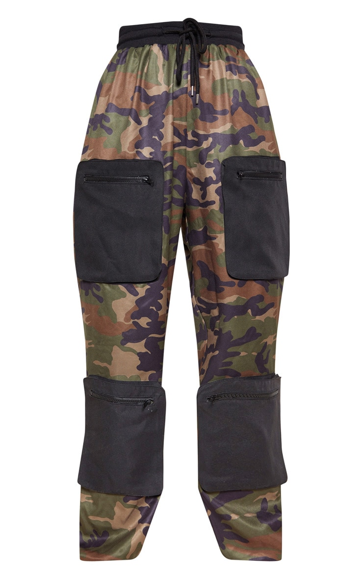 Green Camo 3D Pocket Detail Cargo Trousers 3