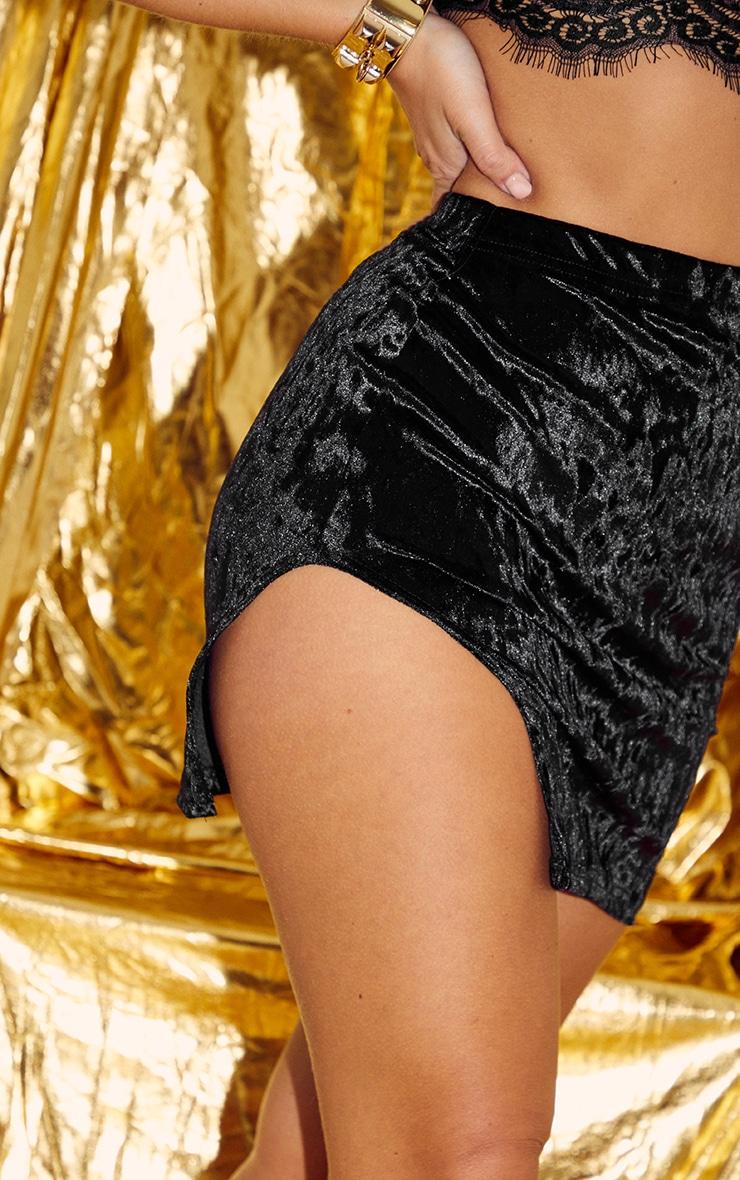 Mini-jupe en velours côtelé noir à détail fendu 6