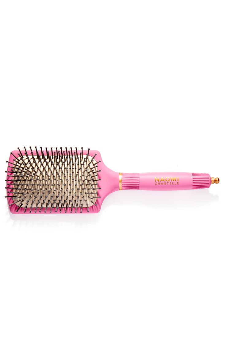 Naomi Chantelle Exclusive Gold Plated Comb and Paddle Brush (Worth £20.00) 3