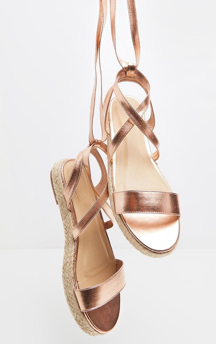 Sandales rose gold style espadrilles à plateforme plate et lacets montants 3