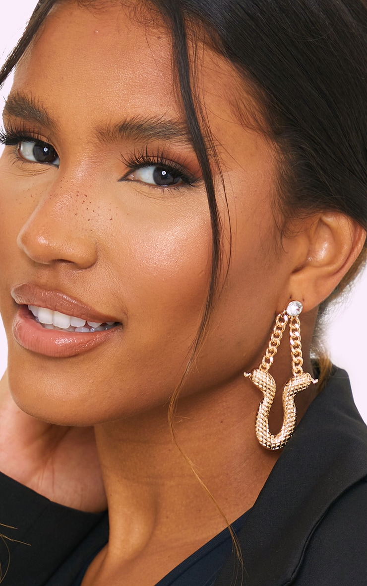 Gold Ribbed Snake Chain Drop Earrings 1