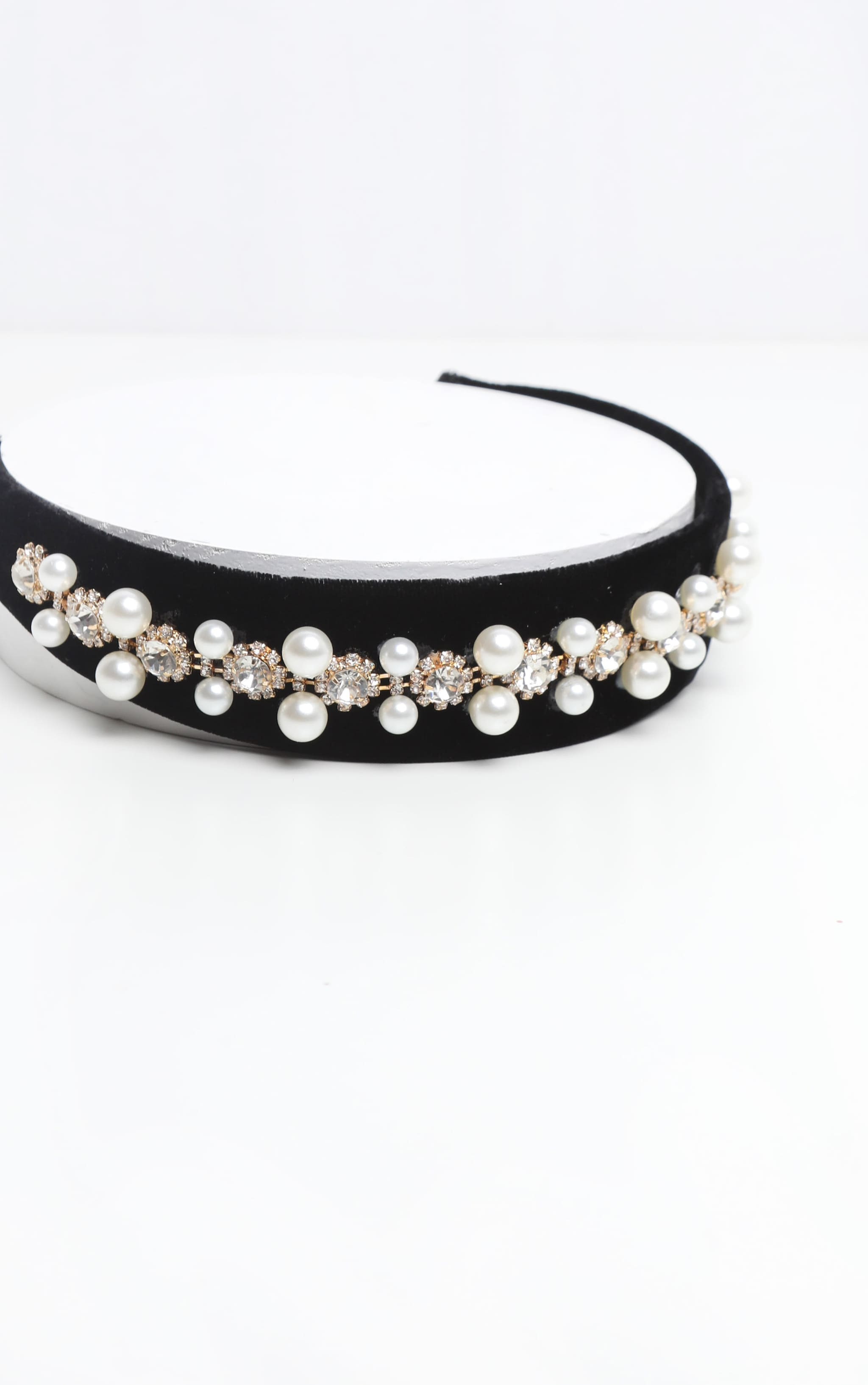 Black Velvet Pearl And Diamante Alice headband 3