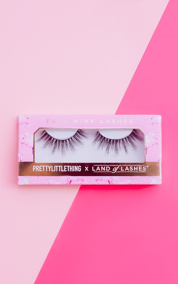 PRETTYLITTLETHING X Land of Lashes Lola 1