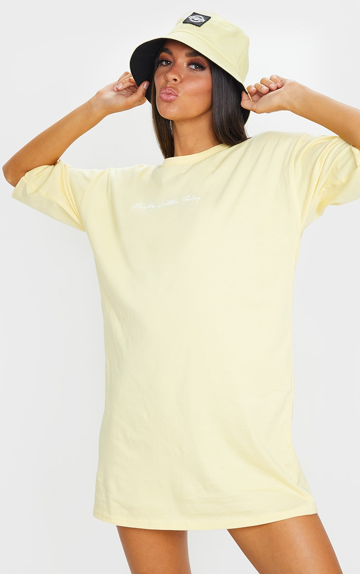PRETTYLITTLETHING Yellow Slogan Oversized Boyfriend T Shirt Dress 1