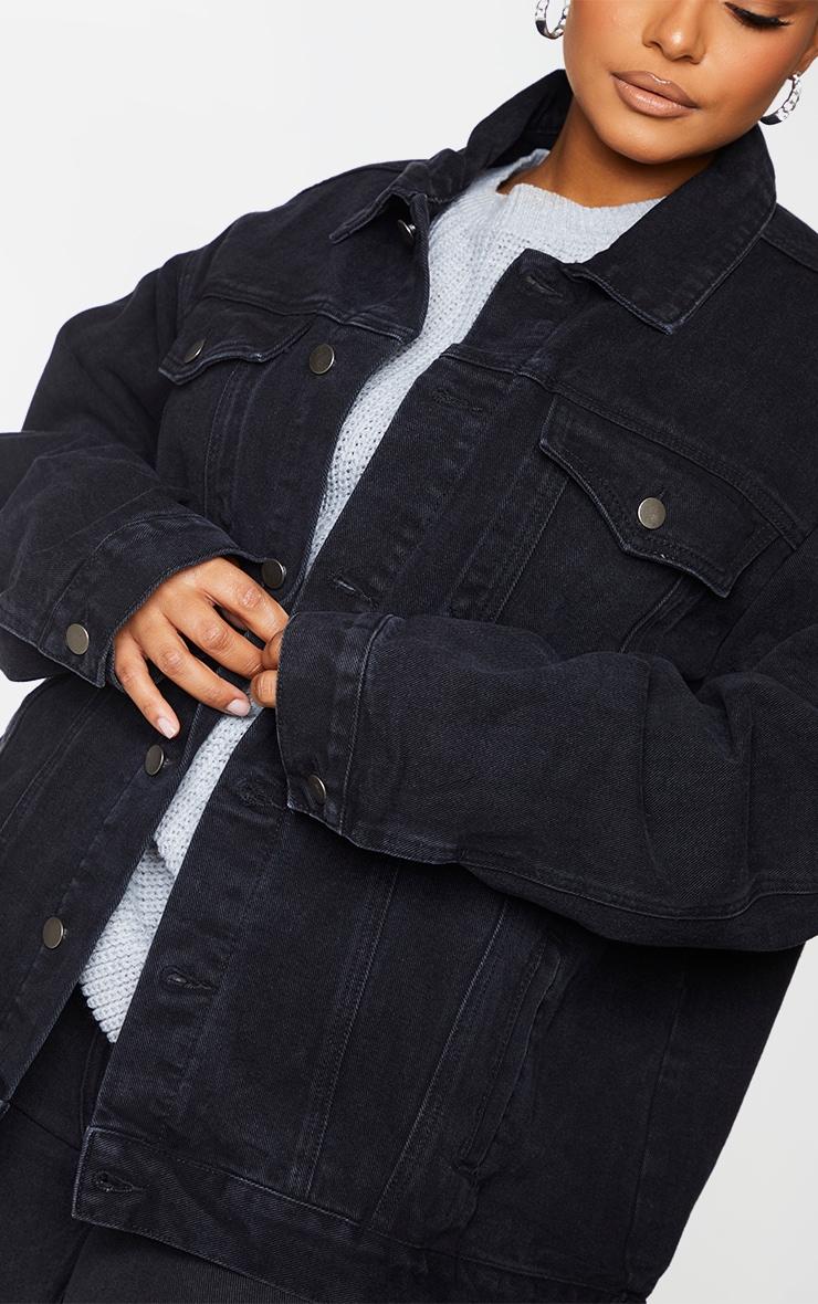 PRETTYLITTLETHING Plus Black Oversized Boyfriend Denim Jacket 4