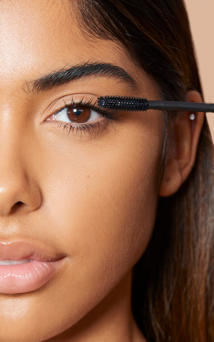 Sleek MakeUP Take You High Lengthening and Defining Mascara 2