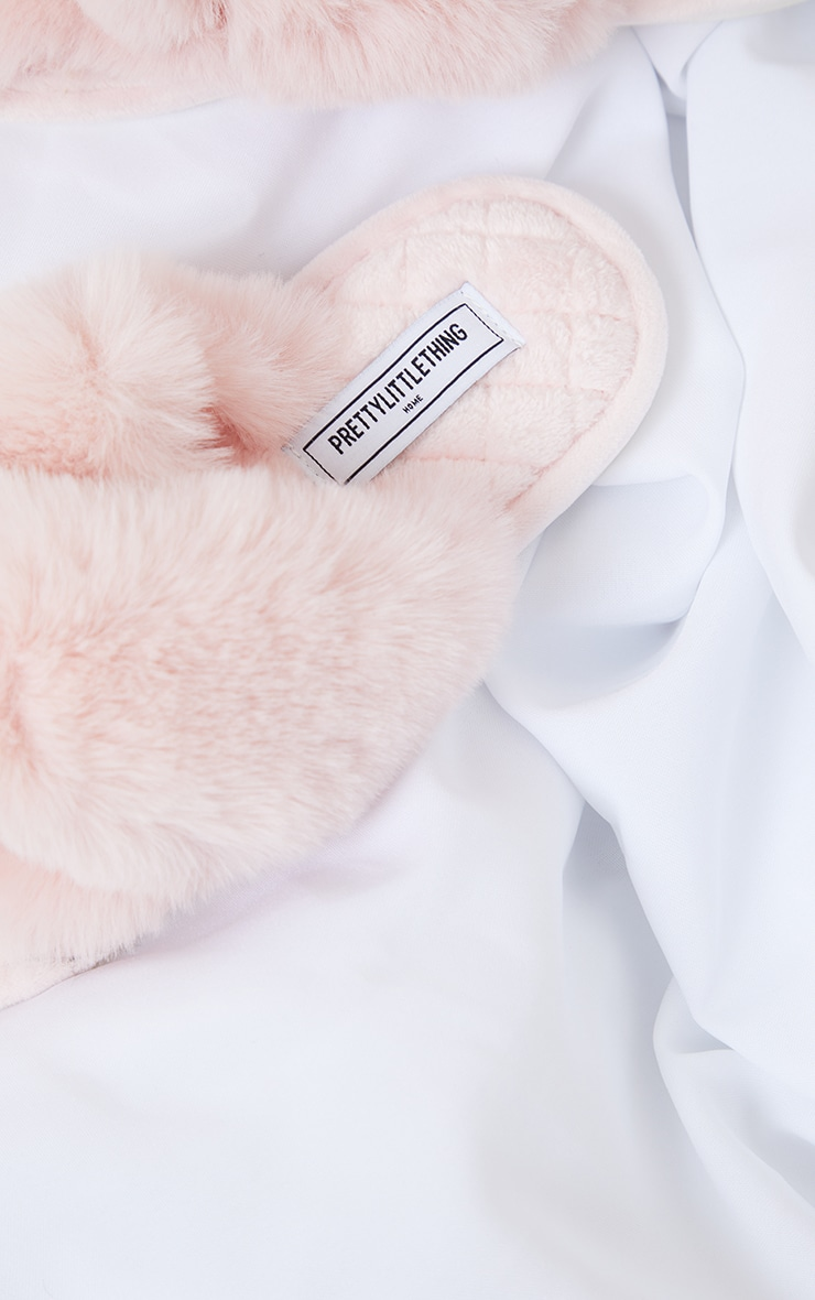 PRETTYLITTLETHING Home Pink Fluffy Cross Strap Quilted Sole Slippers 4