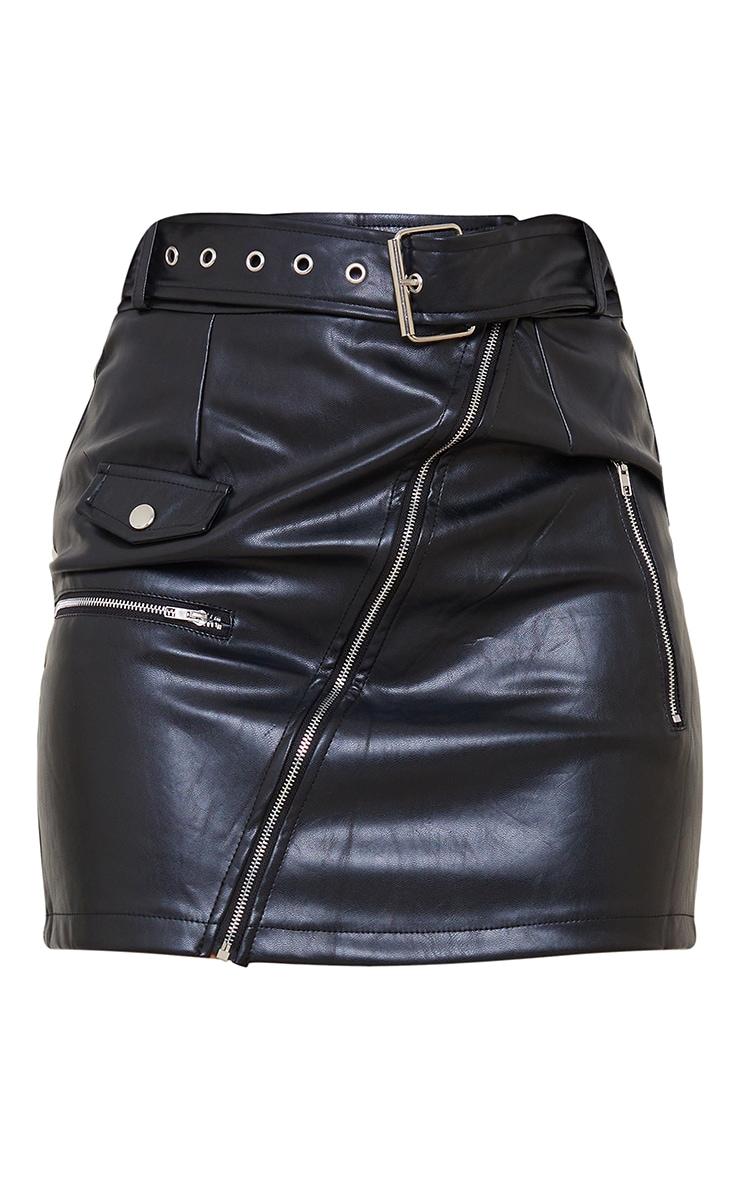 تنورة سوداء قصيرة من الجلد الصناعي مزودة بحزام لراكبي الدراجات 6