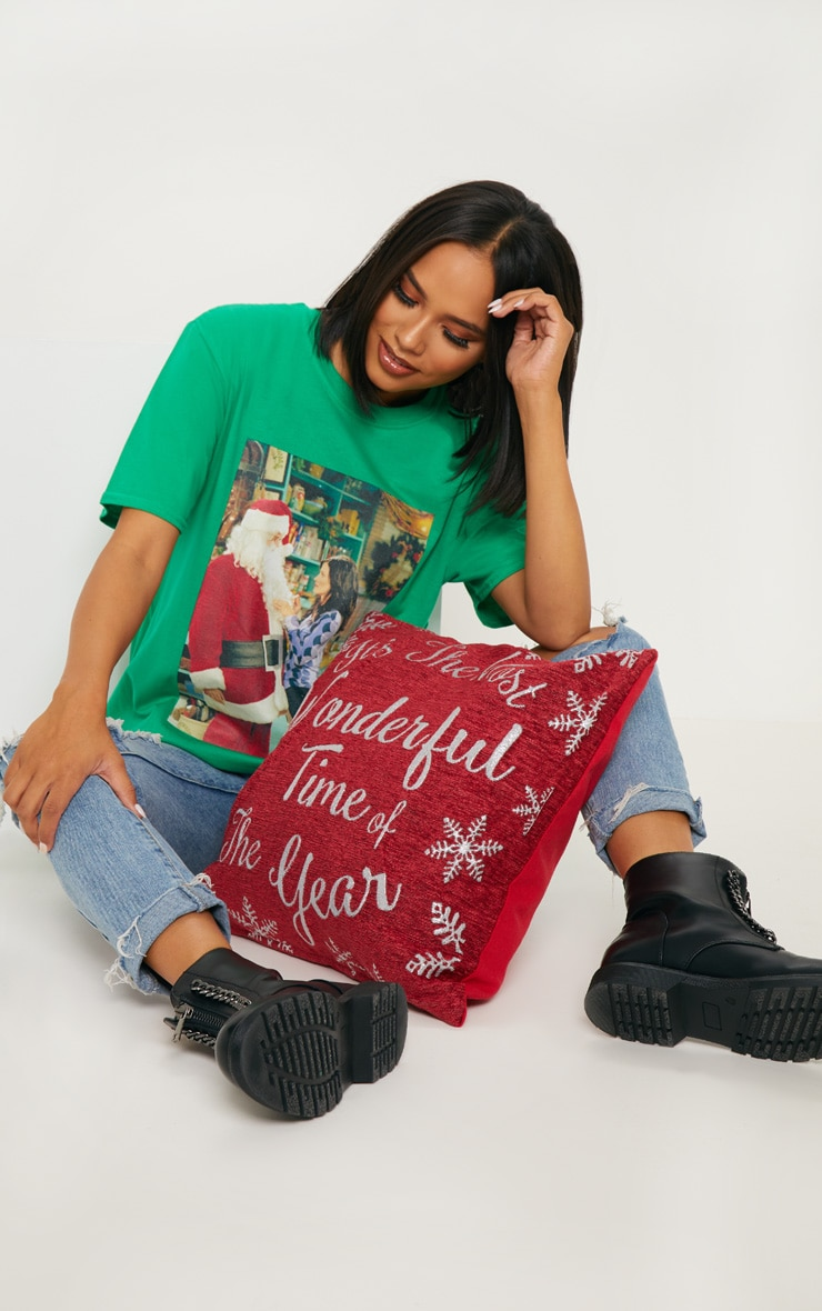 Green Friends Santa Printed T shirt 4