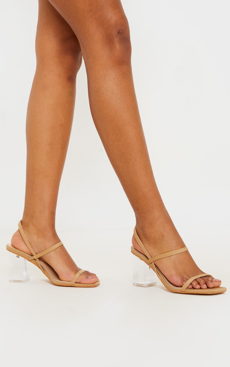 Sandales à doubles brides nude et talons carrés transparents 1