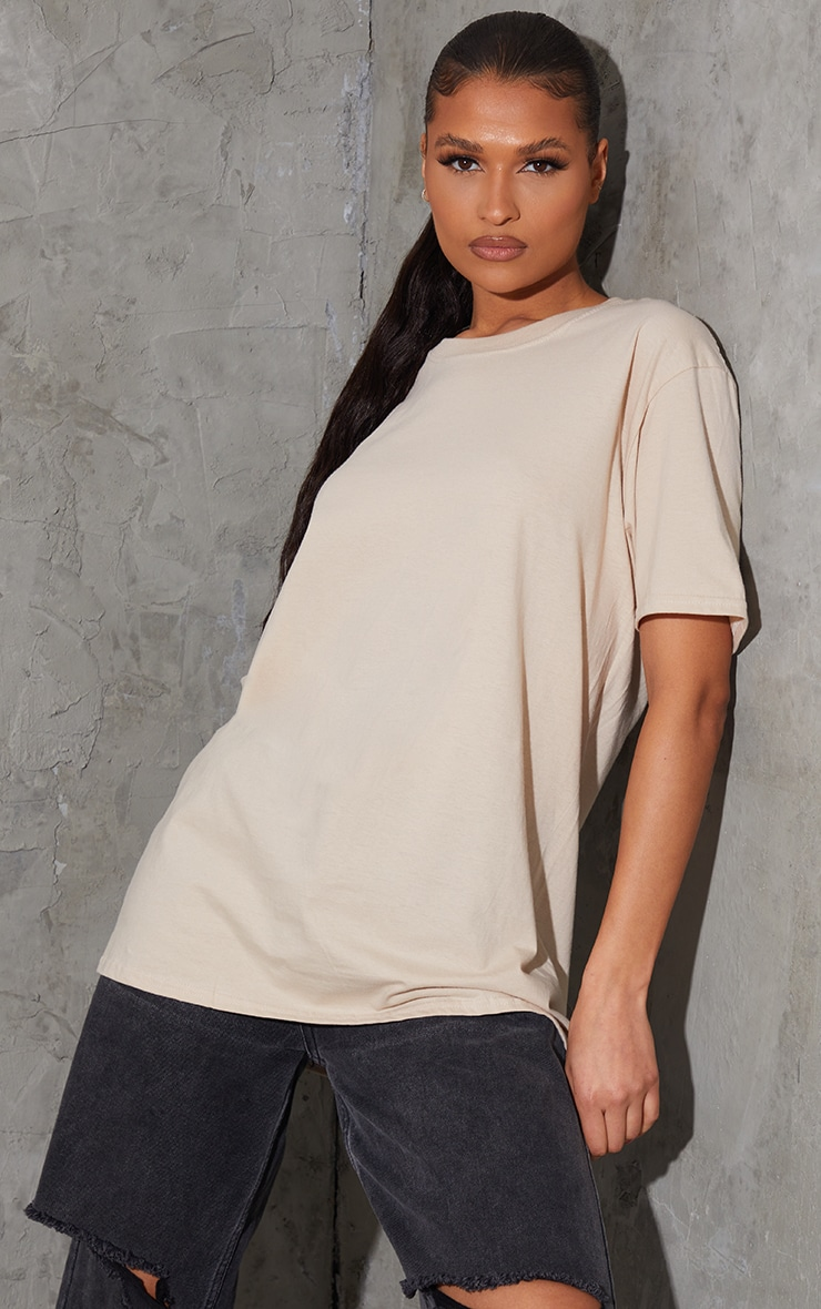 PRETTYLITTLETHING Sand Established Back Print T Shirt 2