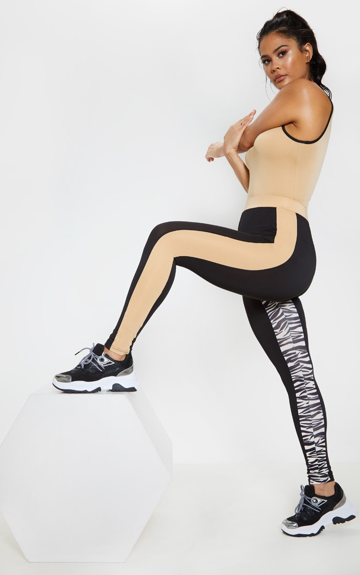 PRETTYLITTLETHING 3 Tone Gym Legging 1
