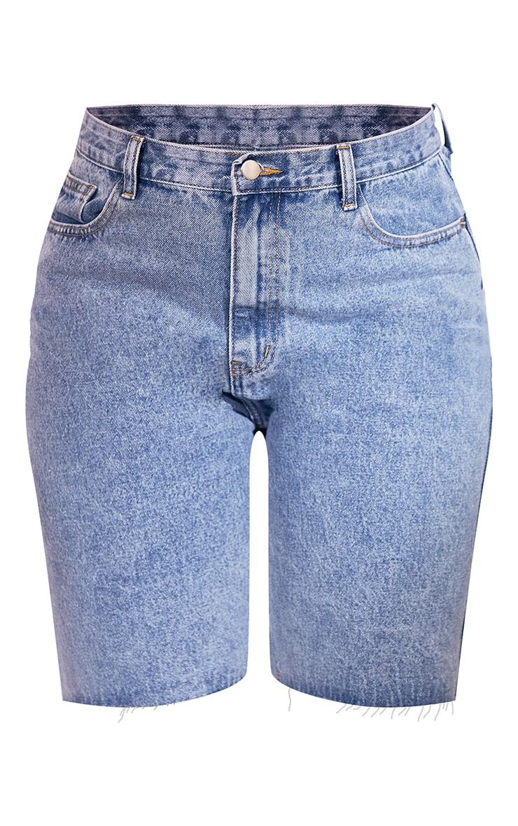 PRETTYLITTLETHING Plus Mid Blue Wash Longline  Fitted Denim Shorts 6