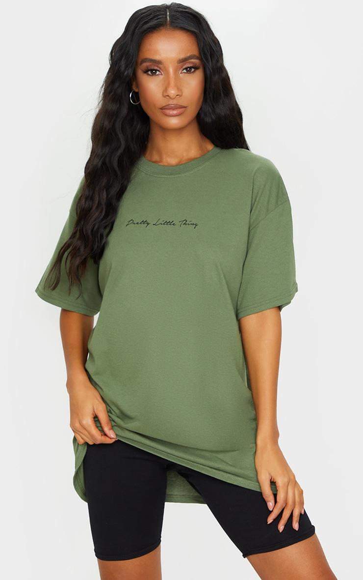 PRETTYLITTLETHING - T-shirt oversize kaki à slogan  1