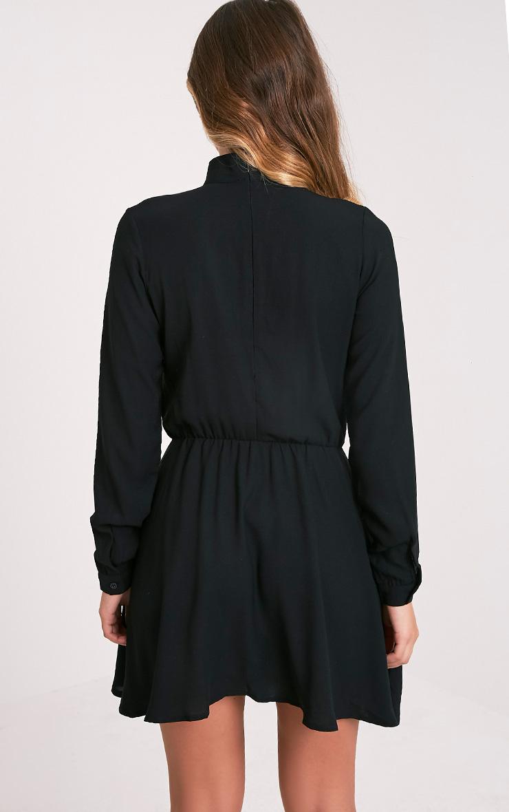 Helena robe trapèze ras du cou noire 2