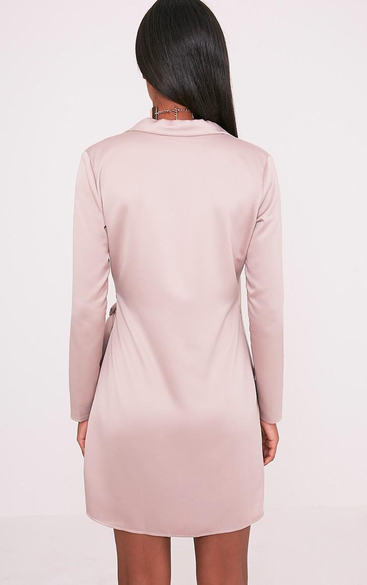 Shaylene robe chemise rose pâle en satin à cordon à nouer à la taille 2