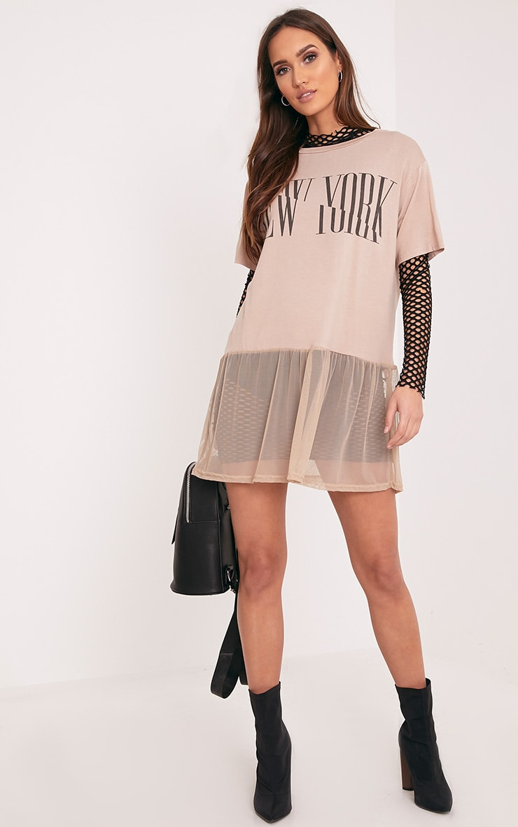 NEW YORK Spliced Slogan Nude Mesh Hem T Shirt 4